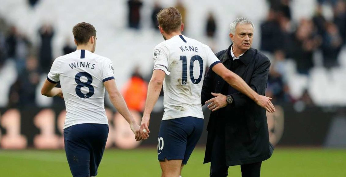 Winks_Kane_Mourinho_Tottenham_lapresse_2019
